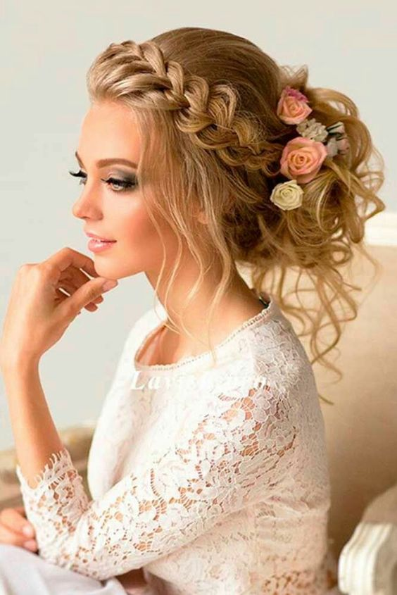 Причёска на свадьбу на длинные волосы для свидетельницы на свадьбу