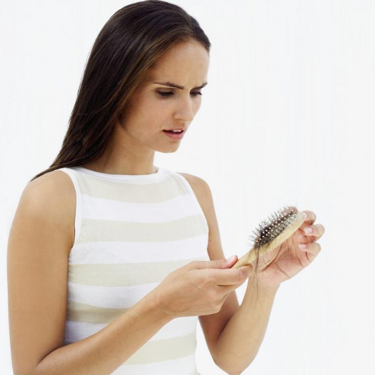 Причины выпадения волос у женщин после 40