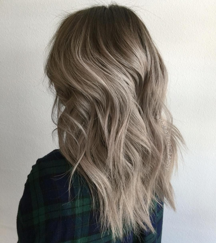 Пепельно желтый цвет волос