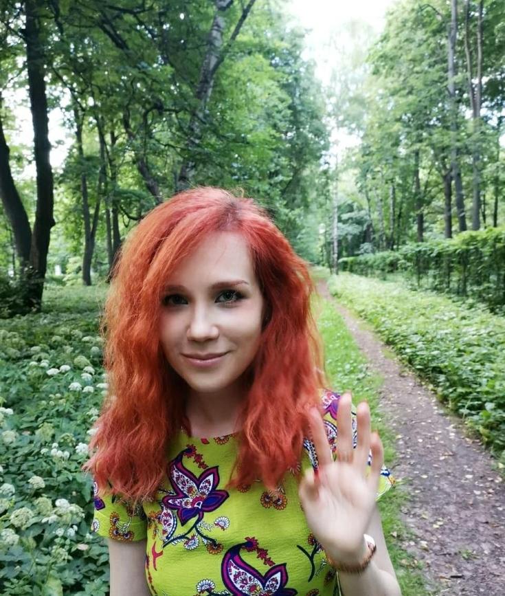 Рыжий цвет волос с карими глазами