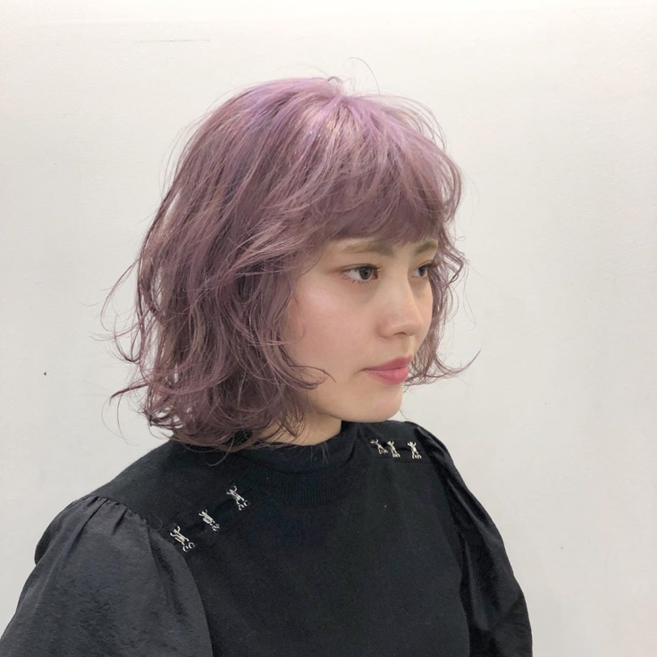 Пепельно-розовый цвет волос