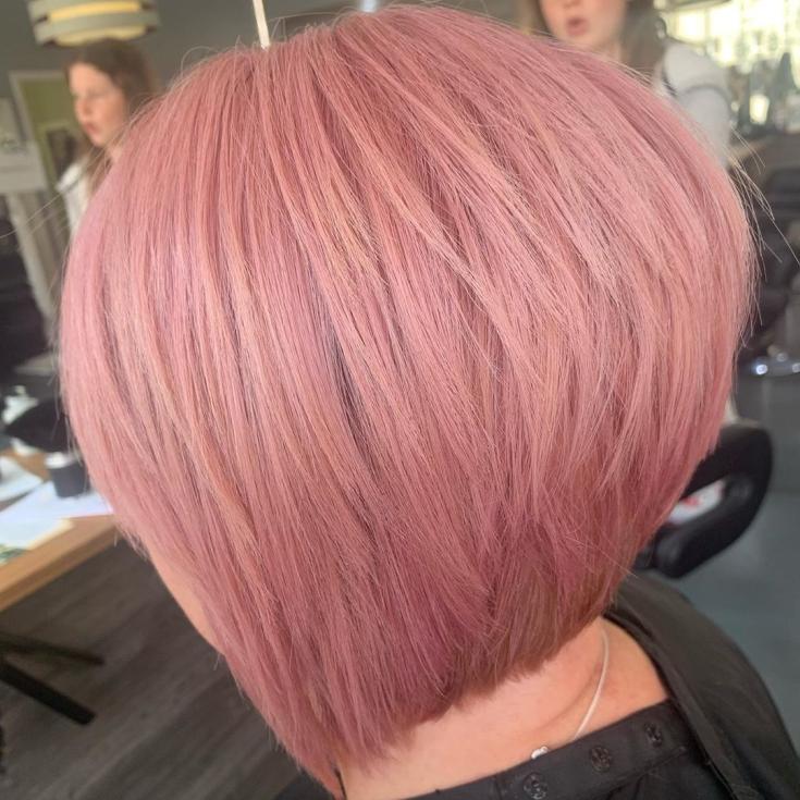 Серо-розовый цвет волос