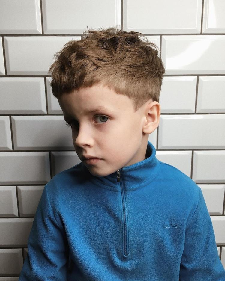 Модельные стрижки для мальчиков машинкой дома своими руками