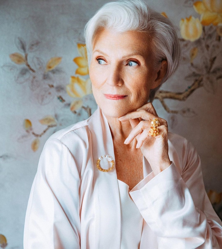 Прически для пожилых женщин