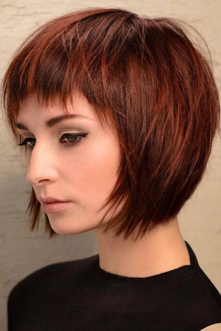 Стрижка для коротких волос с челкой
