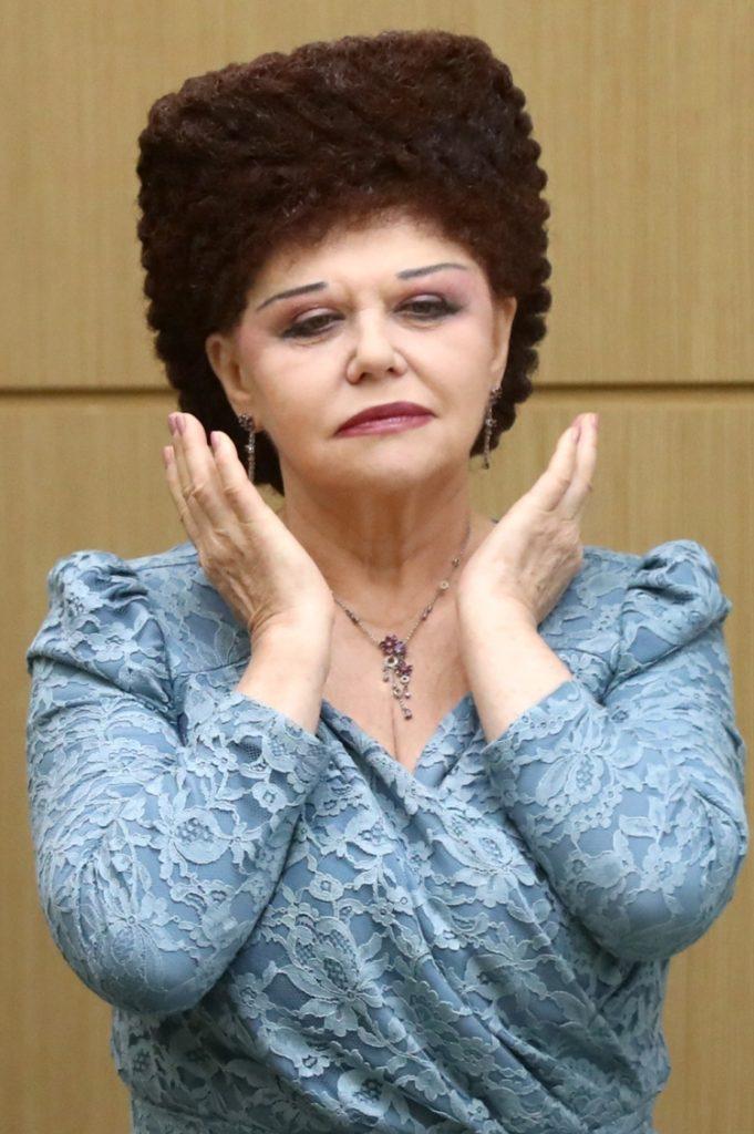 Прически Валентины Петренко