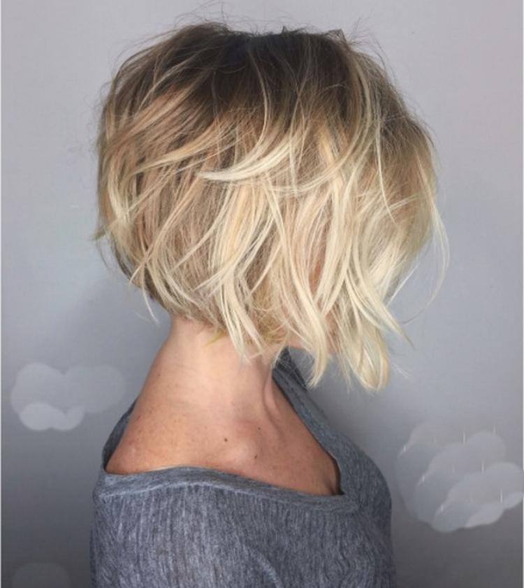 Стрижка на короткие волосы придающая объем фото