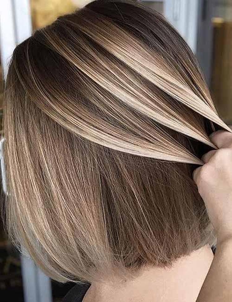 Коричневые волосы с белыми кончиками