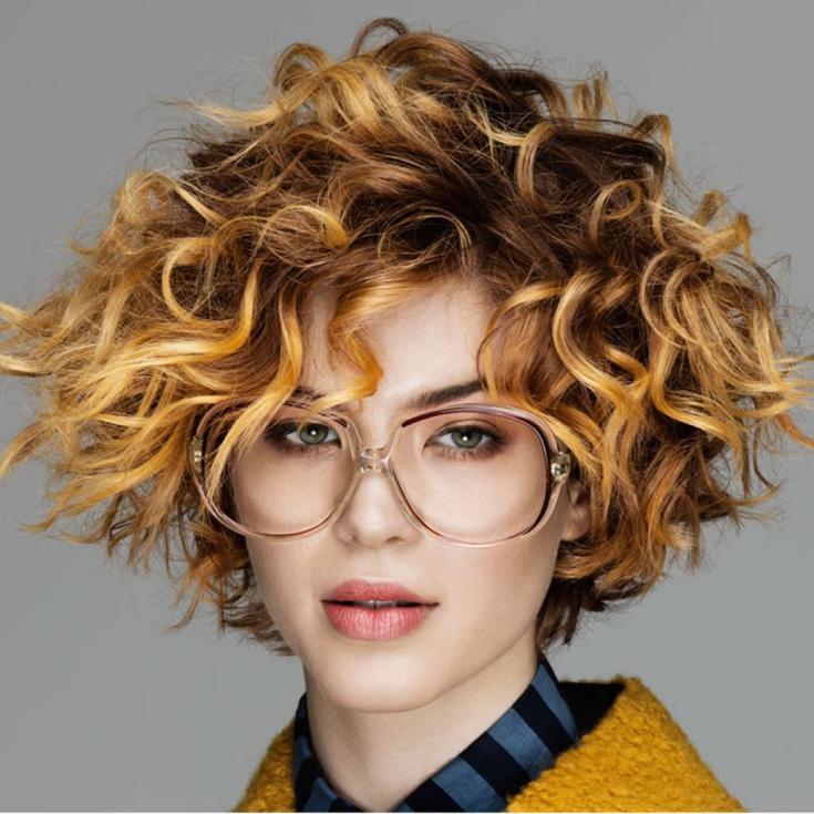 Модные стрижки на кудрявые волосы