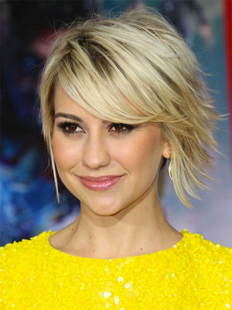 Есть даже такие, поверхность которых покрыта искусственными волосами — так они будут практически не заметны на волосах, особенно тонких, коротких и редких.