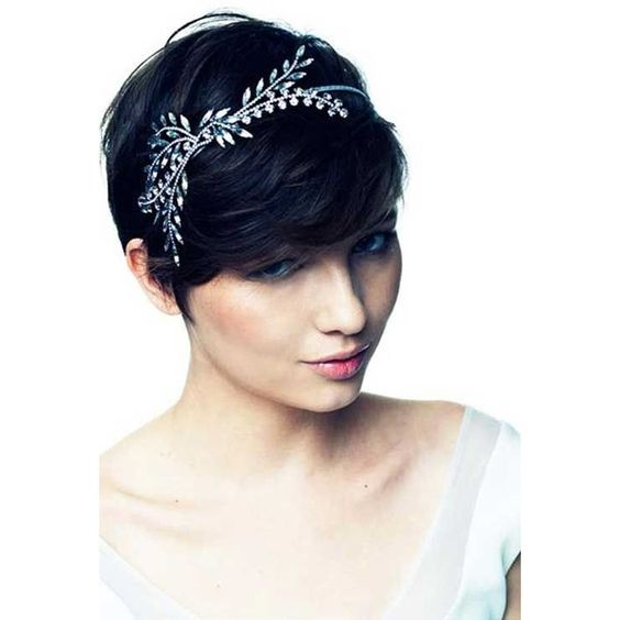 Wedding hairstyles with diadem for short hair