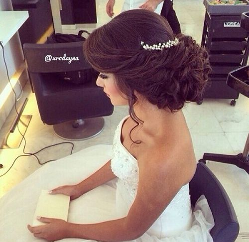 Wedding hairstyles with diadem at the back
