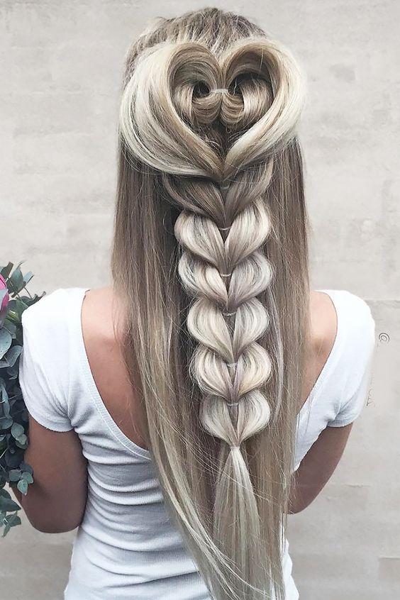Плетение всевозможных кос на длинных волосах