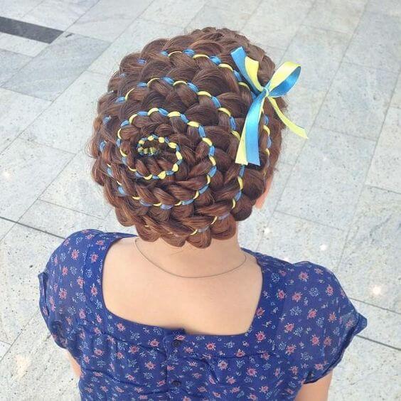 плетение очень красивых кос с помощью ленточки