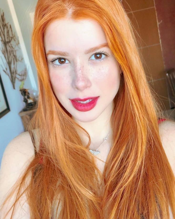 Девушки с рыжими волосами и карими глазами