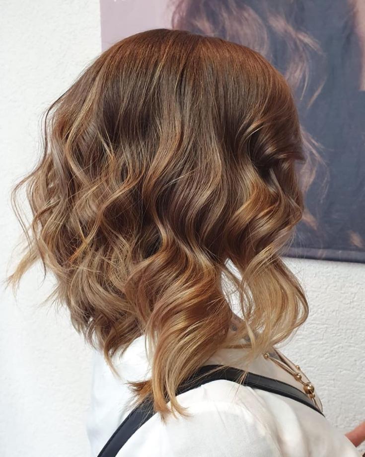 Золотисто-коричневый цвет волос